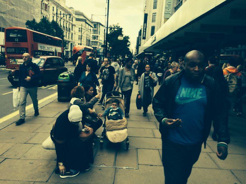london-people-crowd